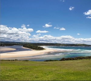 Minnamurra River and Mystics Beach. Photo: s1mplem1nds