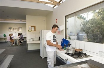 Phillip Island Caravan Park BIG4 kitchen