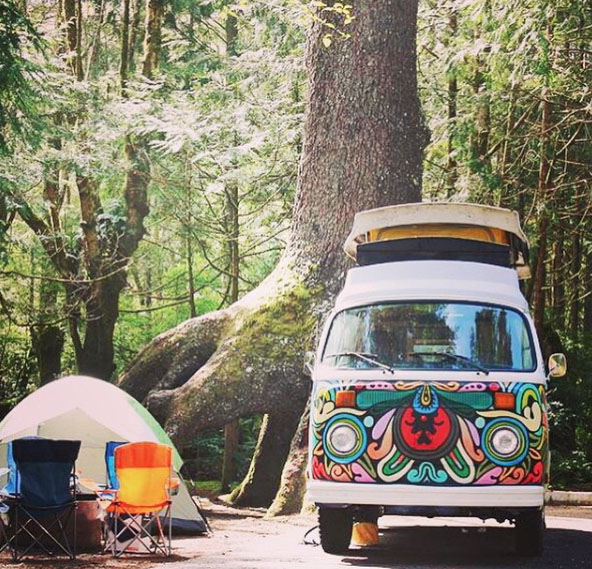 The colorful chronicles of vanlife. Photo: LewilThomas