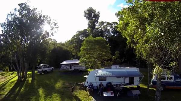 Downfall Creek camping area, Lake Tinaroo, Atherton Tablelands, Queensland, Australia. Photo: FirieBob