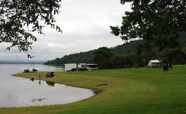 Downfall Creek camping area, Lake Tinaroo, Atherton Tablelands, Queensland, Australia. Photo: Camping.de