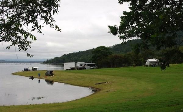 Downfall Creek camping area, Lake Tinaroo, Atherton Tablelands, Queensland, Australia. Photo: Camping.de