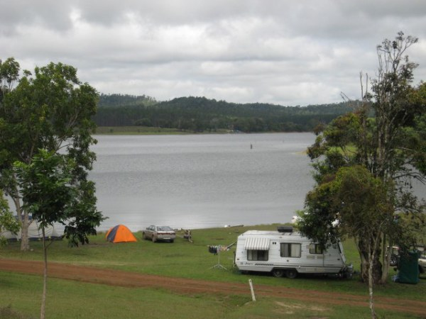 Kauri Creek campground, Lake Tinaroo on the Atherton Tablelands, Queensland, Australia. Photo: AussieCampOvenForum.com
