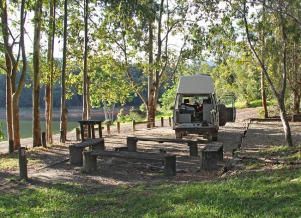 School Point camping area on Lake Tinaroo, Atherton Tablelands, Queensland, Australia. Photo: Bazman63.wordpress.com