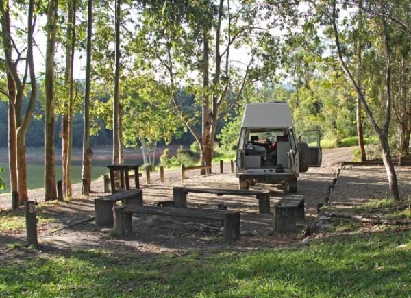School Point camping area on Lake Tinaroo, Atherton Tablelands, Queensland, Australia. Photo: Bazman63.wordpress.com