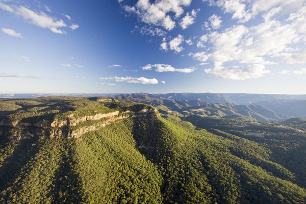 Narrow Neck Plateau, visible from Dunphy's Camping Area. Photo: Destination NSW.