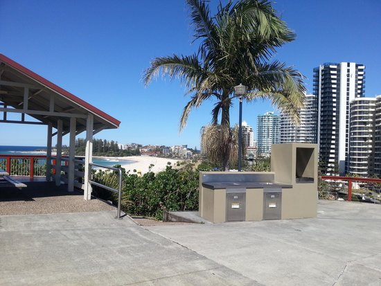electric-barbeque-kirra-hill