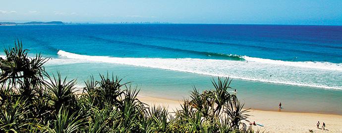 Kirra-beach_wyndhamhotel