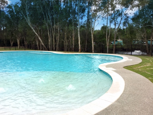Discovery holiday park byron bay little green nomad for Pool show discovery