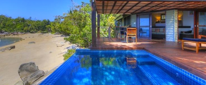 bedarra-resort-pool